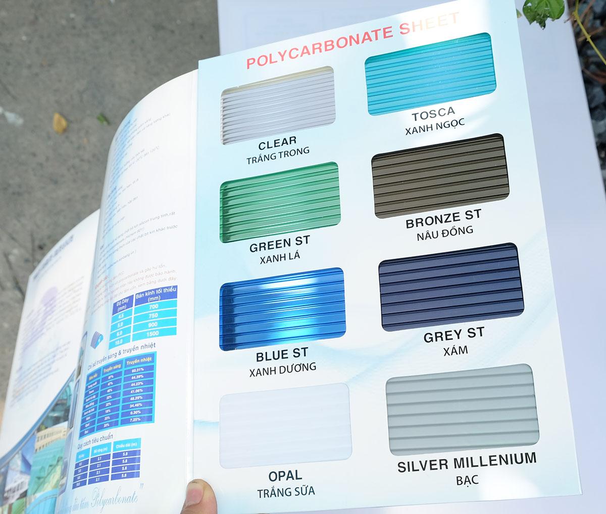 Catalog màu sắc của tấm lợp lấy sáng thông minh rỗng ruột 100% polycarbonate