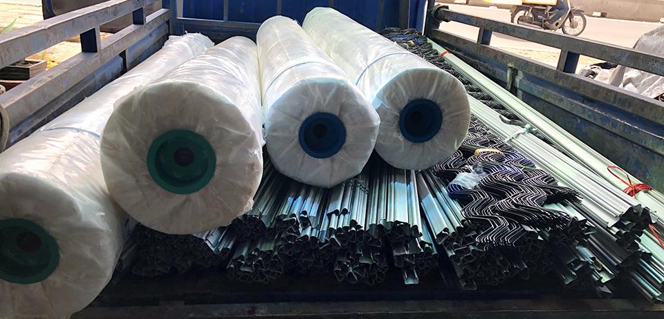 Cuộn màng PE làm nhà kính khổ lớn hàng Việt Nam giá rẻ