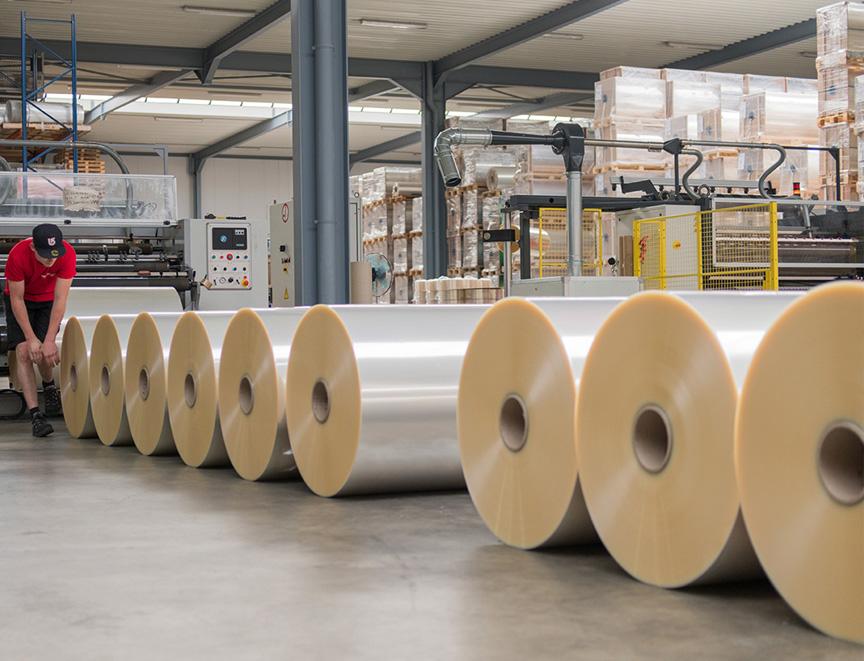 Cuộn màng PE lót sàn chống thấm đúc bê tông công trình